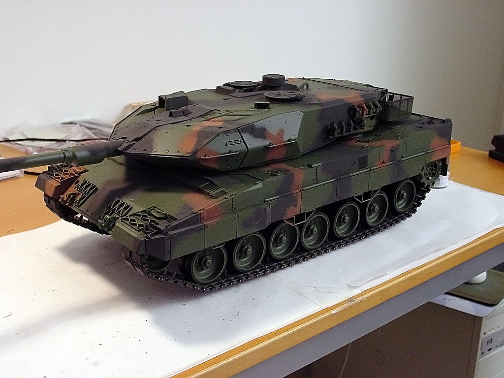 rc tanks ebay with Tamiya Leopard 2 A6 Full Option Rc Kit on Die Todesfaust Des Cheng Wei T2978 furthermore Tamiya Leopard 2 A6 Full Option Rc Kit furthermore 222229087827 additionally Rastar Ferrari 458 Italia Rtr 1op14 Auto Rood P 16791 as well Search.